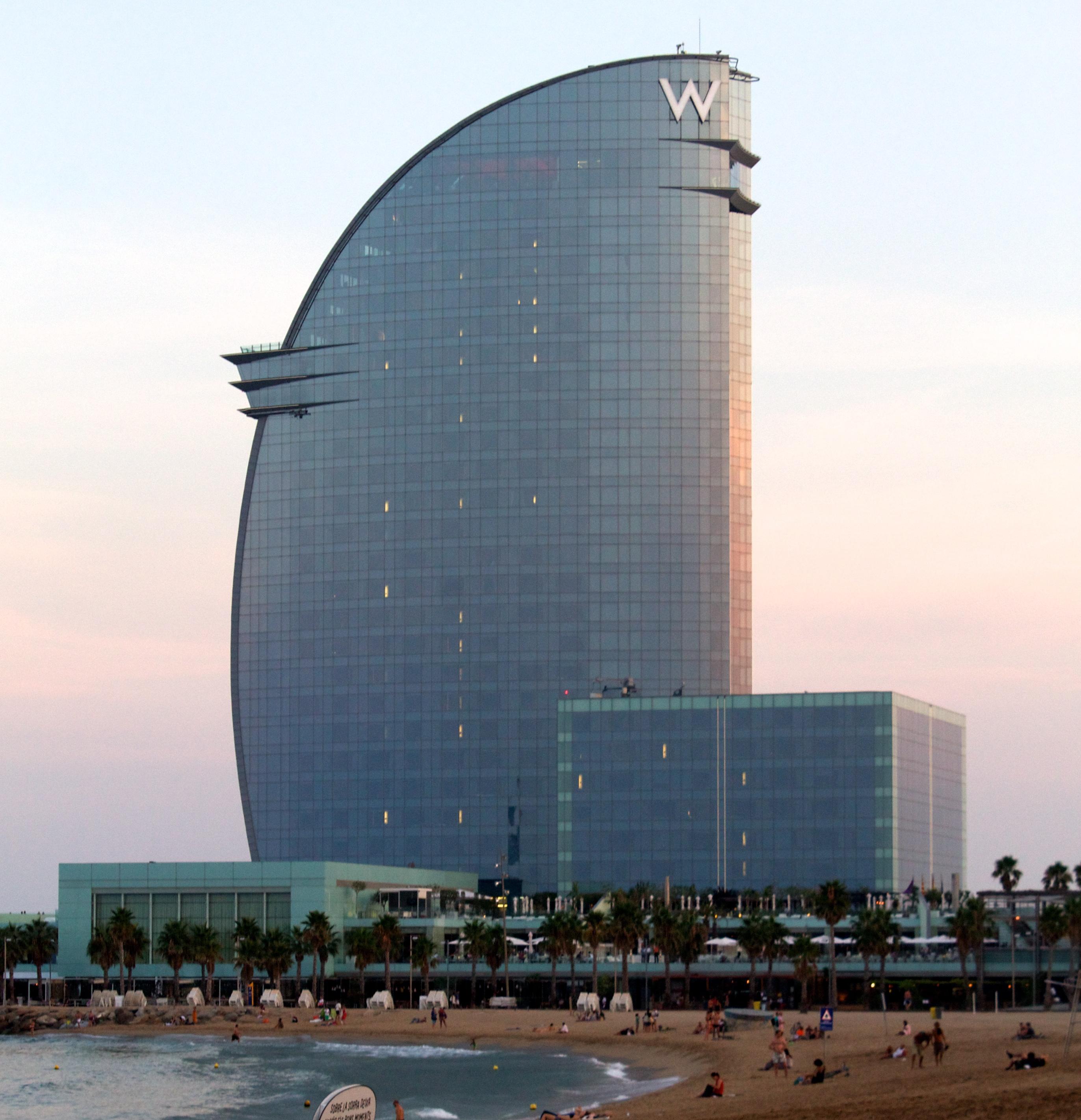 W hotel barcelona spain suitcasejournal for Hotel barcelona w