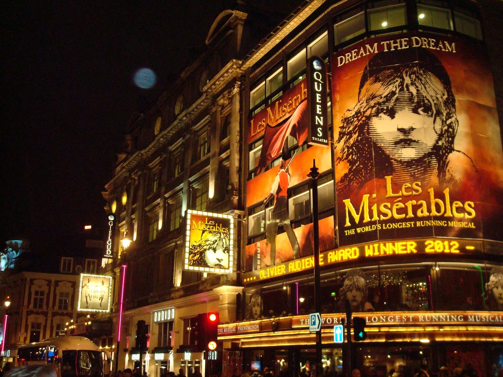 Les Miserables London Tickets And Hotel
